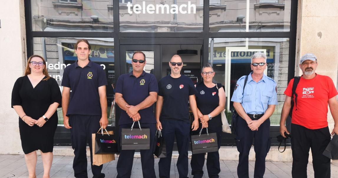 Donacija bespilotnih letjelica dobrovoljnim vatrogasnim društvima Komiža i Korčula za dolazeću protupožarnu sezonu